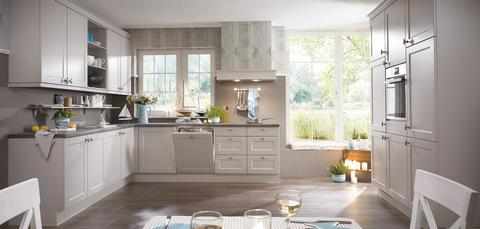 German Kitchens in East Antrim, Cottage Kitchens, Chalet Range